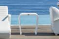 Tavolino Axis piccolo in alluminio traforato e verniciato bianco