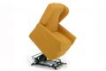 Poltrona con movimento lift che consente di assumere la posizione eretta