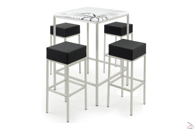 Set moderno per arredo bar con tavolo e sgabelli in colore antracite