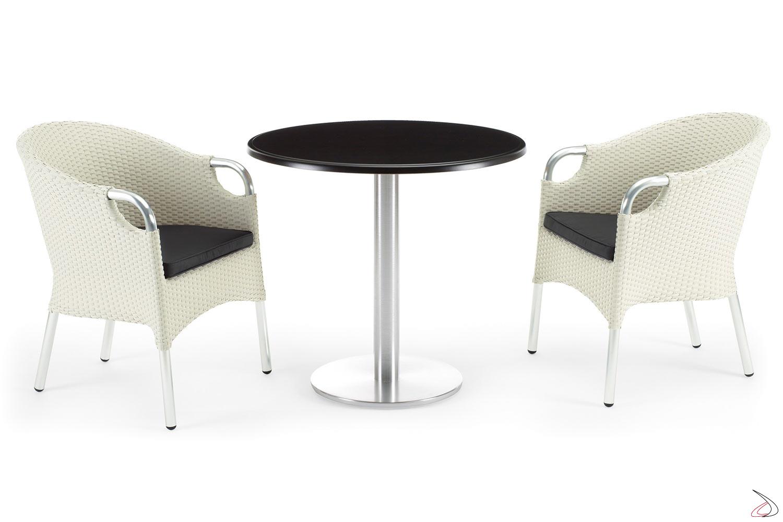 Arredo giardino esterno con sedie e tavolo colore bianco