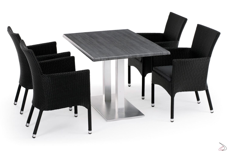 Arredo da giardino esterno con sedie e tavolo colore antracite