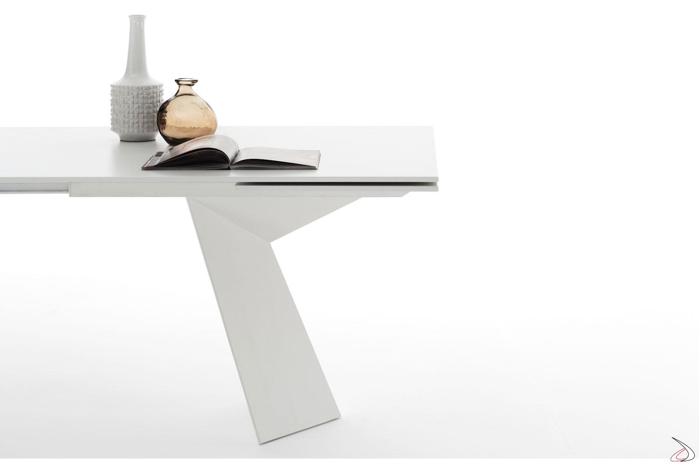Tavolo moderno con allunga sotto piano