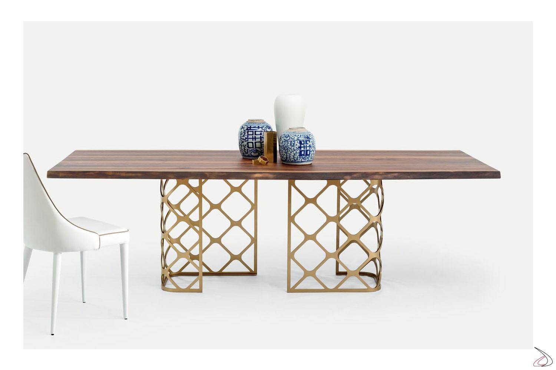 Tavolo di Bontempi di design in legno massello fisso