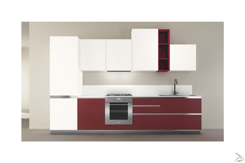 Composizione 6, cucina con ante in finitura matrix bianco + matrix rosso e modulo a giorno laccato opaco rosso rubino