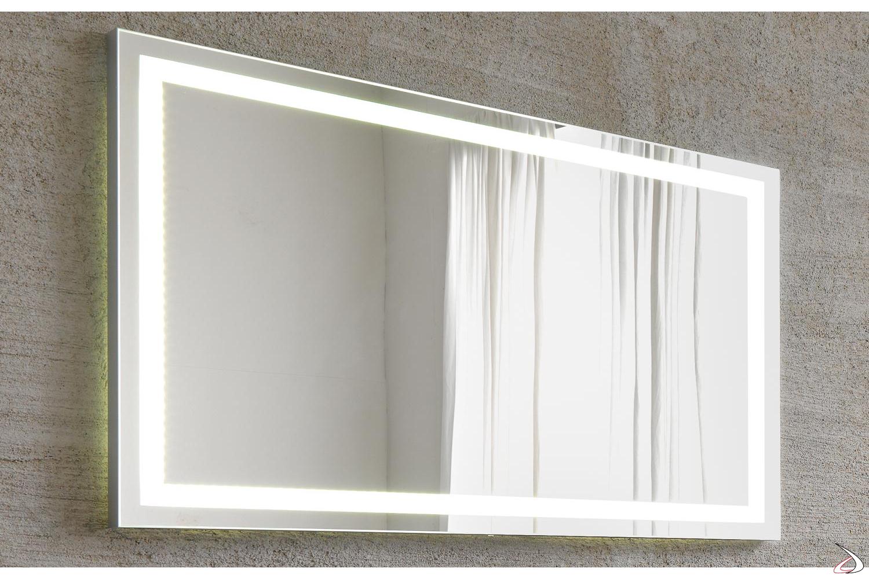 Specchio con luce a led da bagno