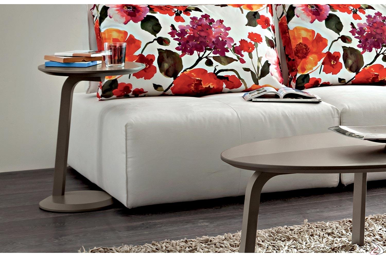 Tavolino alto moderno rotondo da lato divano gola for Divano rotondo