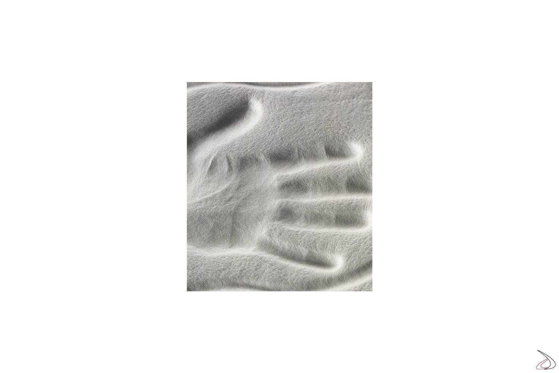 Test di compressione del corpo sul materasso