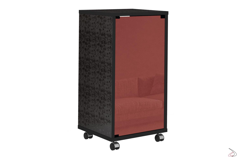 Porta tv con anta in vetro rosso e ruote