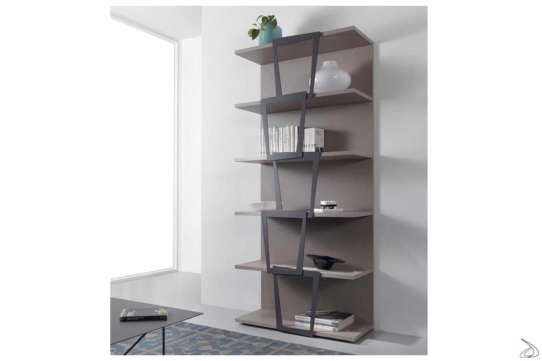 Libreria a muro moderna in laminato e in acciaio verniciato