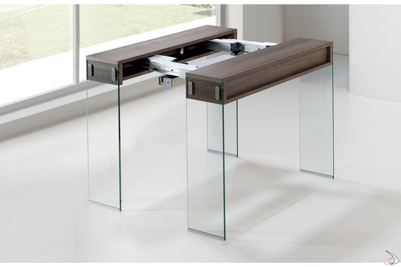 Tavolo consolle semiaperta con meccanismo per allungamento