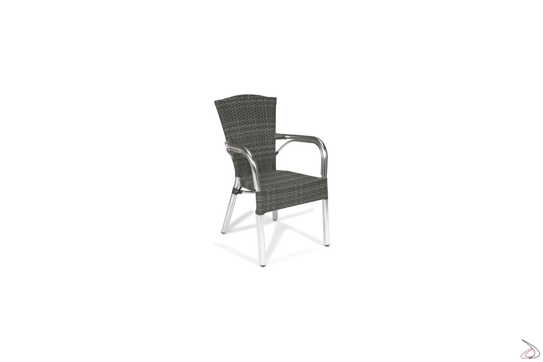Sedia con schienale alto da esterno in colore grigio cenere