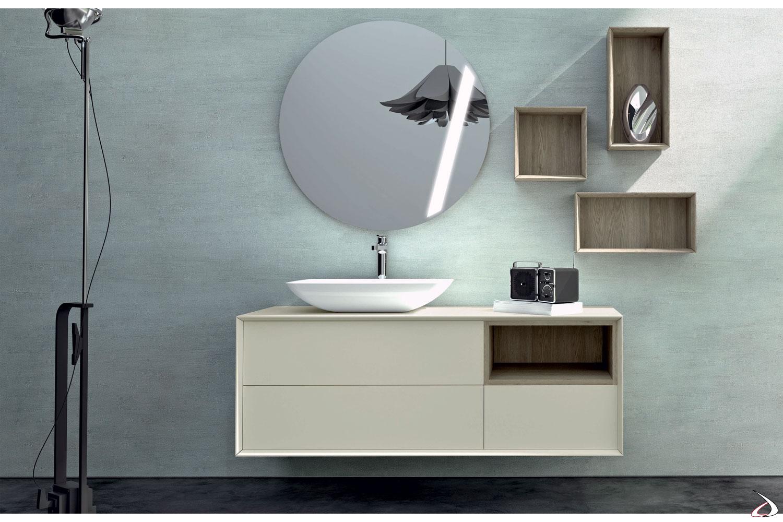 Bagno moderno in legno con specchiera di design