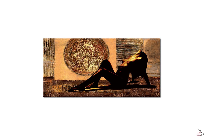 Quadro con dipinto nudo di donna in uno sfondo astratto dorato