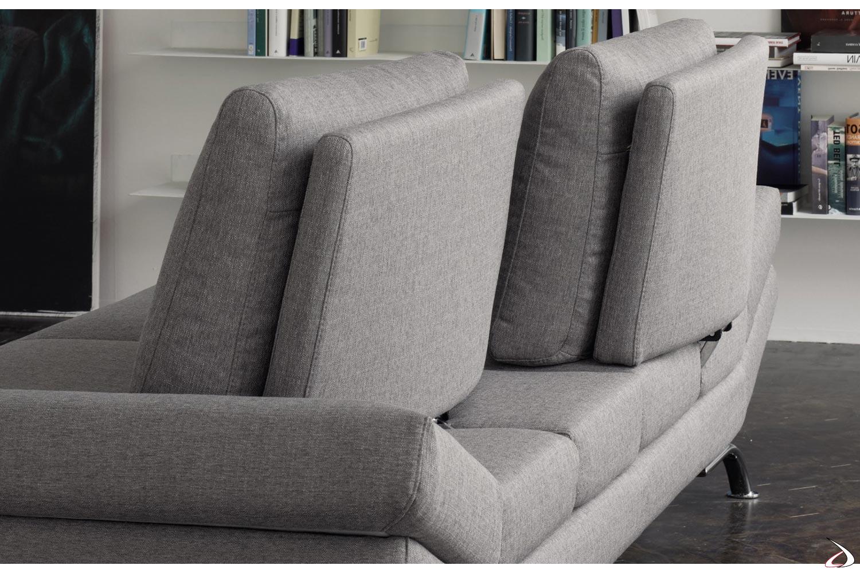 Divano design a 3 posti con schienali movibili