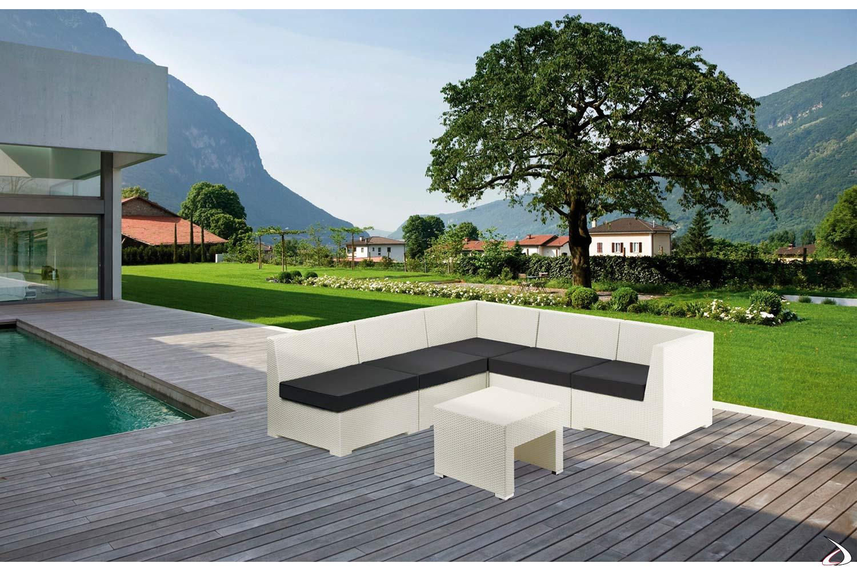 Salotto da bordo piscina bianco con cuscini colore antracite