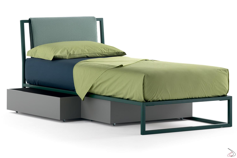 Cassetti contenitori in legno su ruote per letto singolo