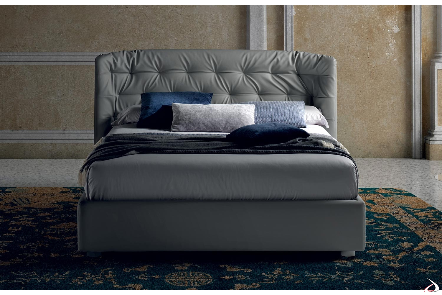 Letto Con Testata Trapuntata.Double Bed With Quilted Headboard And Elvira Container Toparredi