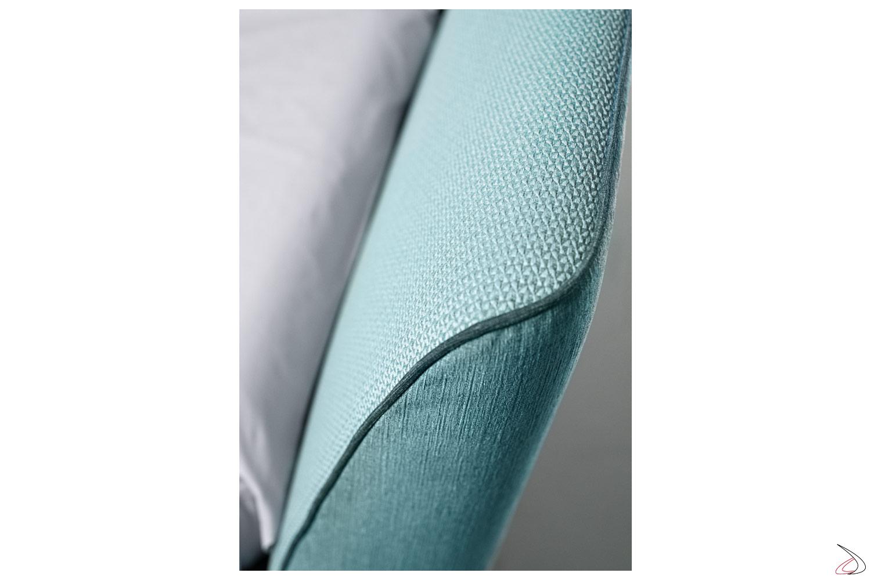 Letto di design in tessuto bicolore con bordino in contrasto