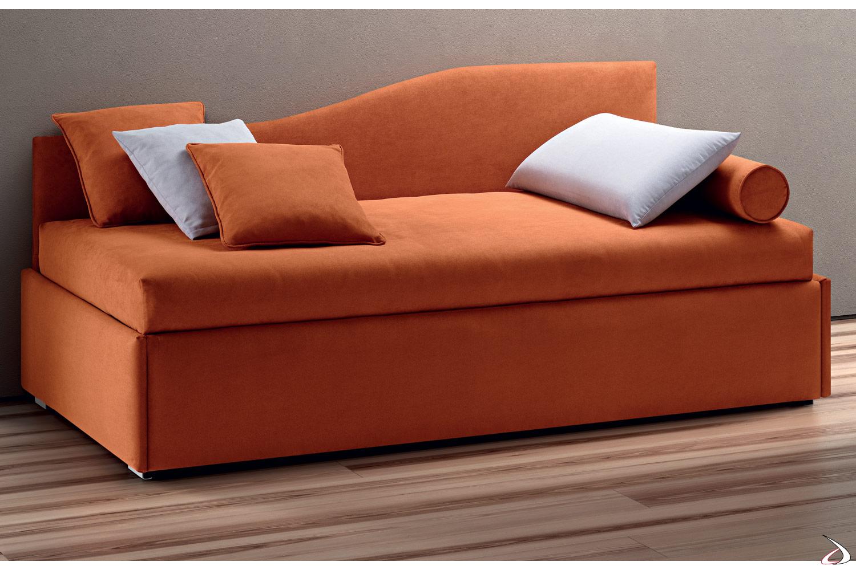 Divano letto moderno con schienale sagomato