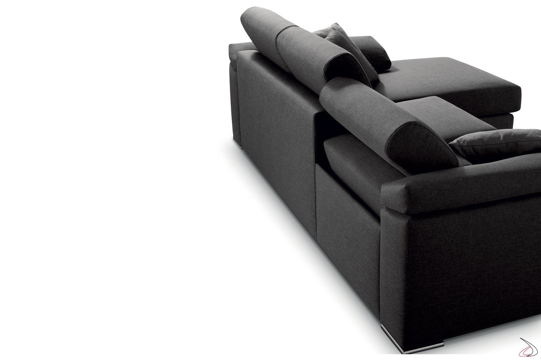 Divano relax con schienale reclinabile