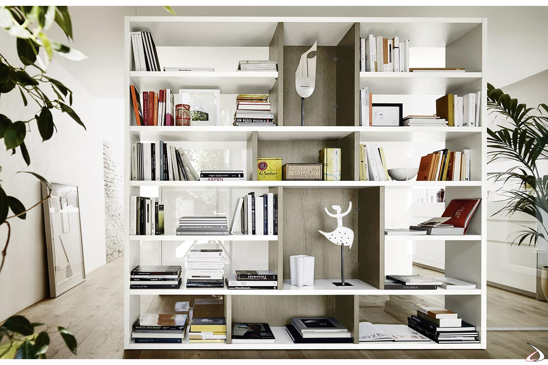 Libreria bifacciale in legno da soggiorno