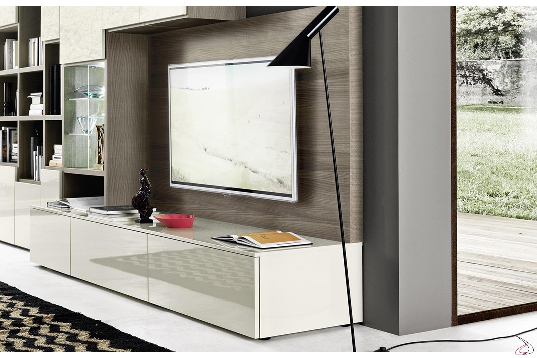 Soggiorno moderno con pannello porta tv