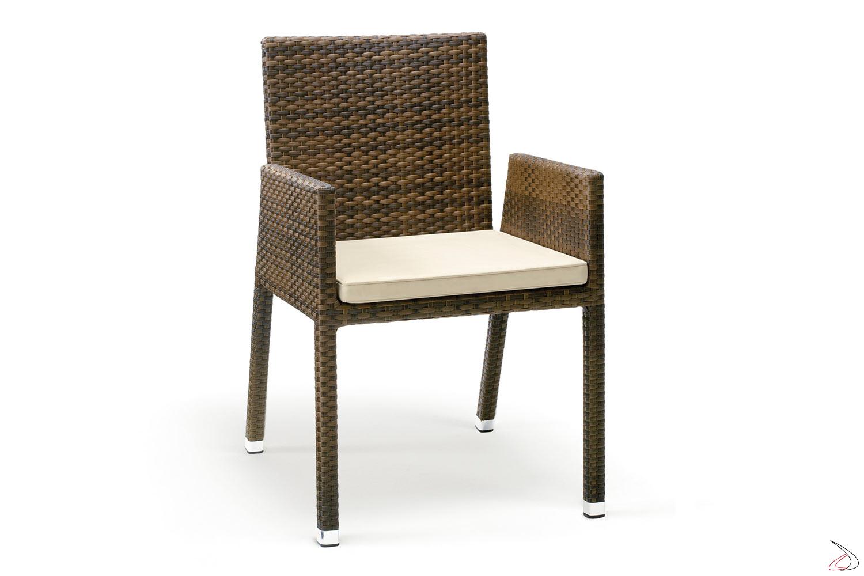 Sedia con braccioli per arredo esterno colore caffé
