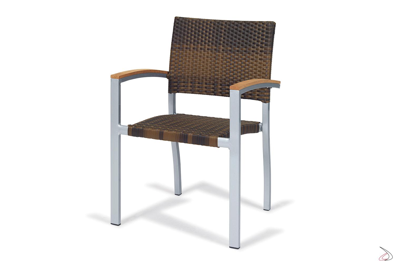 Sedia da esterno verniciata grigio con schienale e seduta in vimini sintetico colore caffé