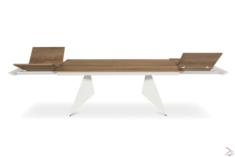 Tavolo design con struttura in metallo verniciata e piano in nobilitato