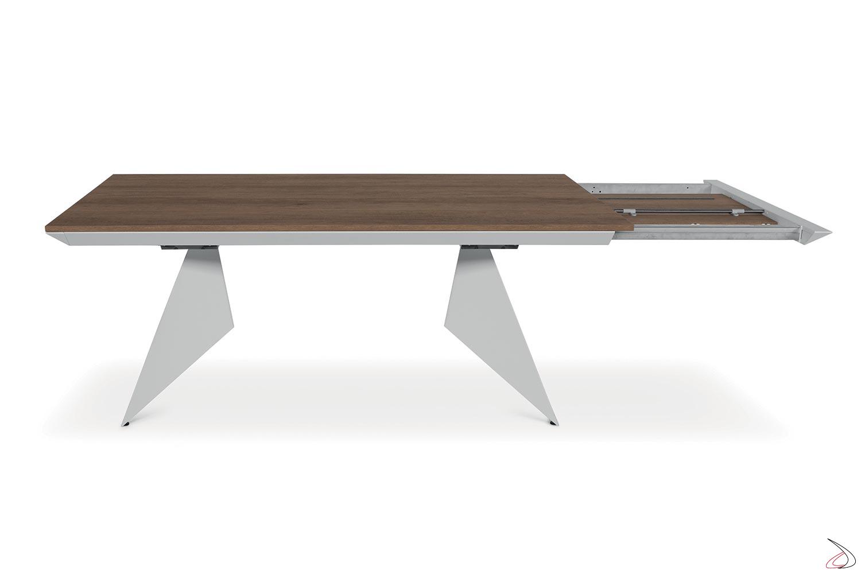 Tavolo di design allungabile oltre 3 metri con piano in nobilitato