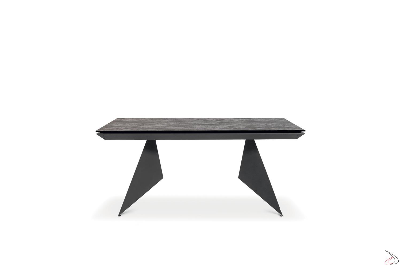 Tavolo moderno da soggiorno in ceramica allungabile con struttura antracite