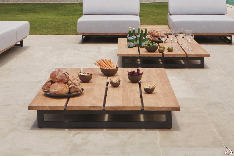 Tavolino di design da esterno in legno teak e basamento in alluminio