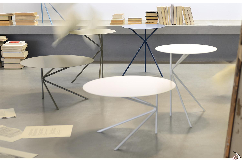 Tavolini da salotto in metallo con tre gambe