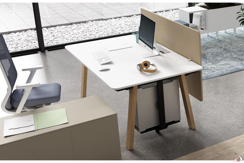 Scrivania moderna da ufficio operativo con porta cpu e schermo