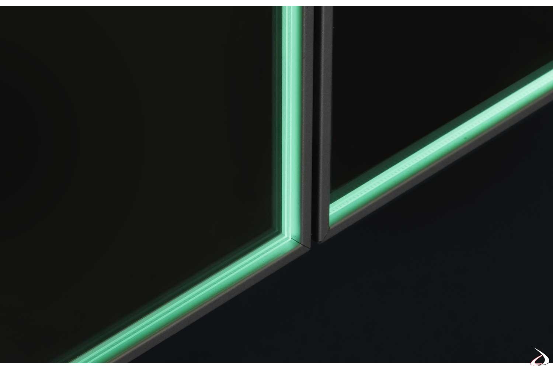 Specchio moderno con telaio ante retroilluminato a led
