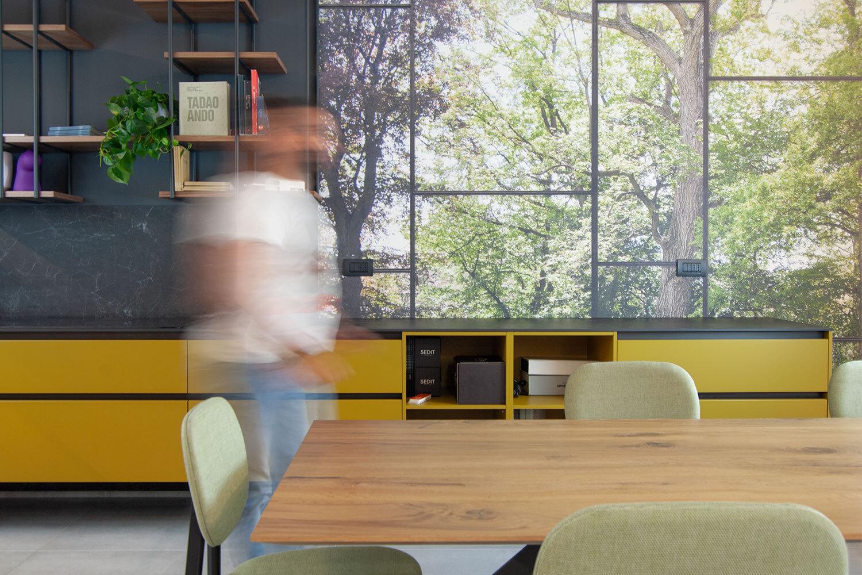 Visite las salas de exposición de muebles